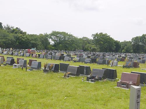八柱霊園芝生墓地