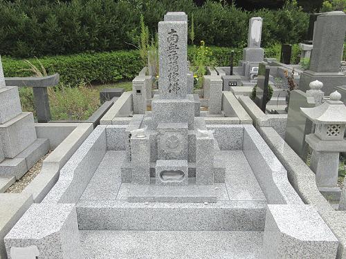 白井聖地公園:お墓